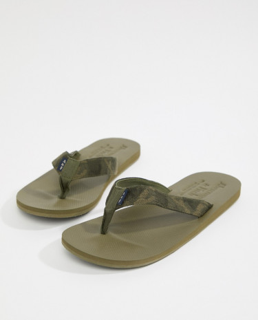 Fashion Shop - Abercrombie & Fitch Tab Logo Thongs in Camo Print - Green